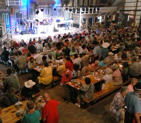 Click Big Deals - Get Supper and a Show for two at Fort Hays Chuckwagon for only $34!!