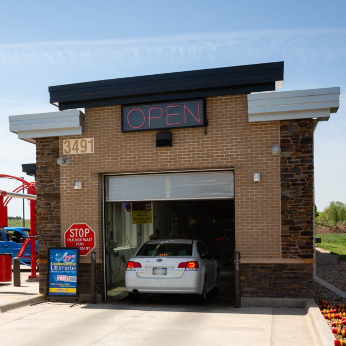 Last Day, Last Chance for this deal! Get a monthly car wash pass at Common Cents Super Tunnel Car Wash! A $32.95 value for only $9.97!